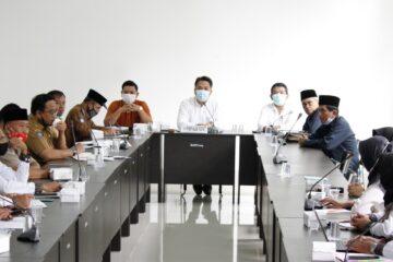 hearing guru honorer di kantor dprd lombok timur