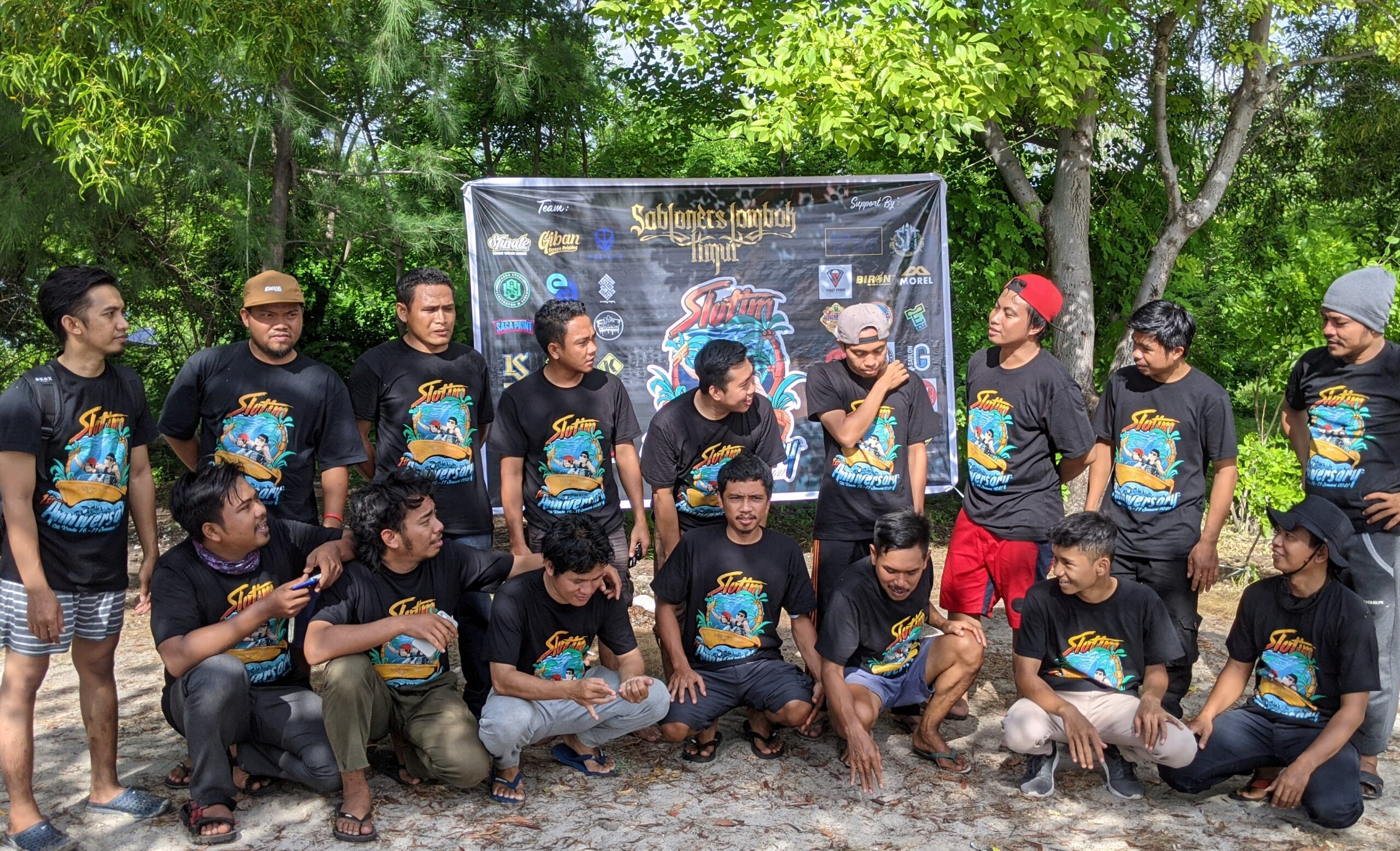 Komunitas Sabloner Lombok Timur Gelar Camping di Gili Kondo