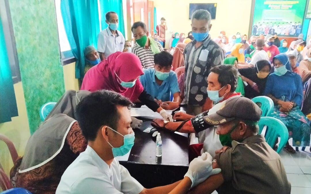 Kecamatan Sakra Lampaui Target Vaksinasi Lansia