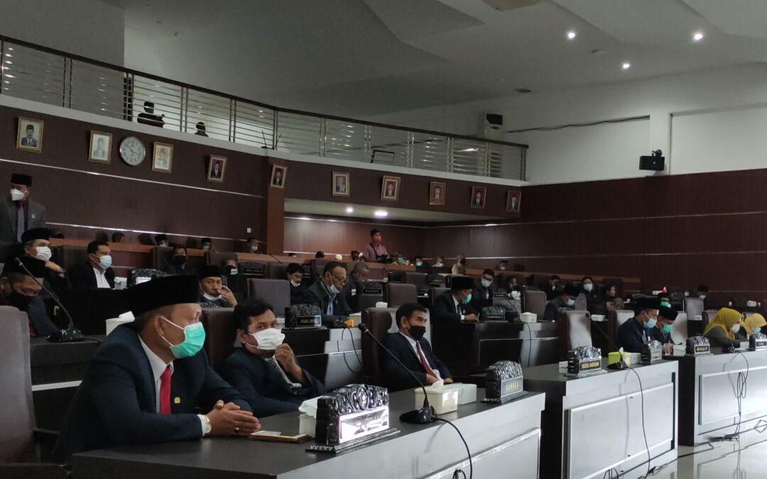 Rapat Paripurna Penetapan Keputusan LKPJ Bupati Tahun 2020