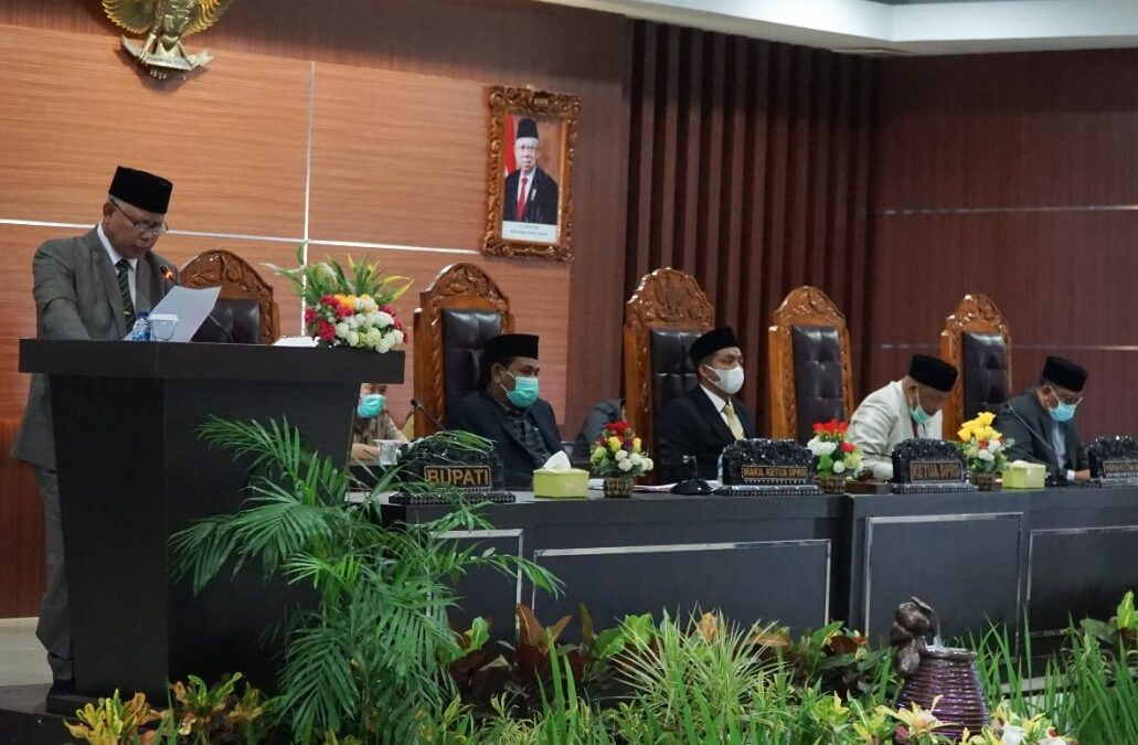 Bupati Lombok Timur Sampaikan Raperda Perubahan RPJMD