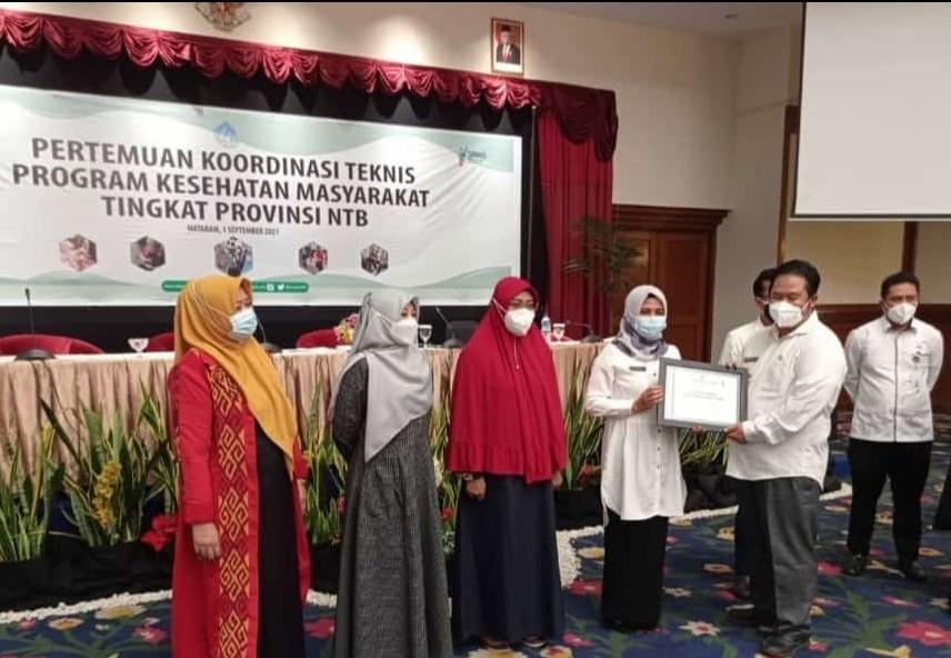 Capaian Posyandu di Lombok Timur Mendapatkan Penghargaan Terbaik